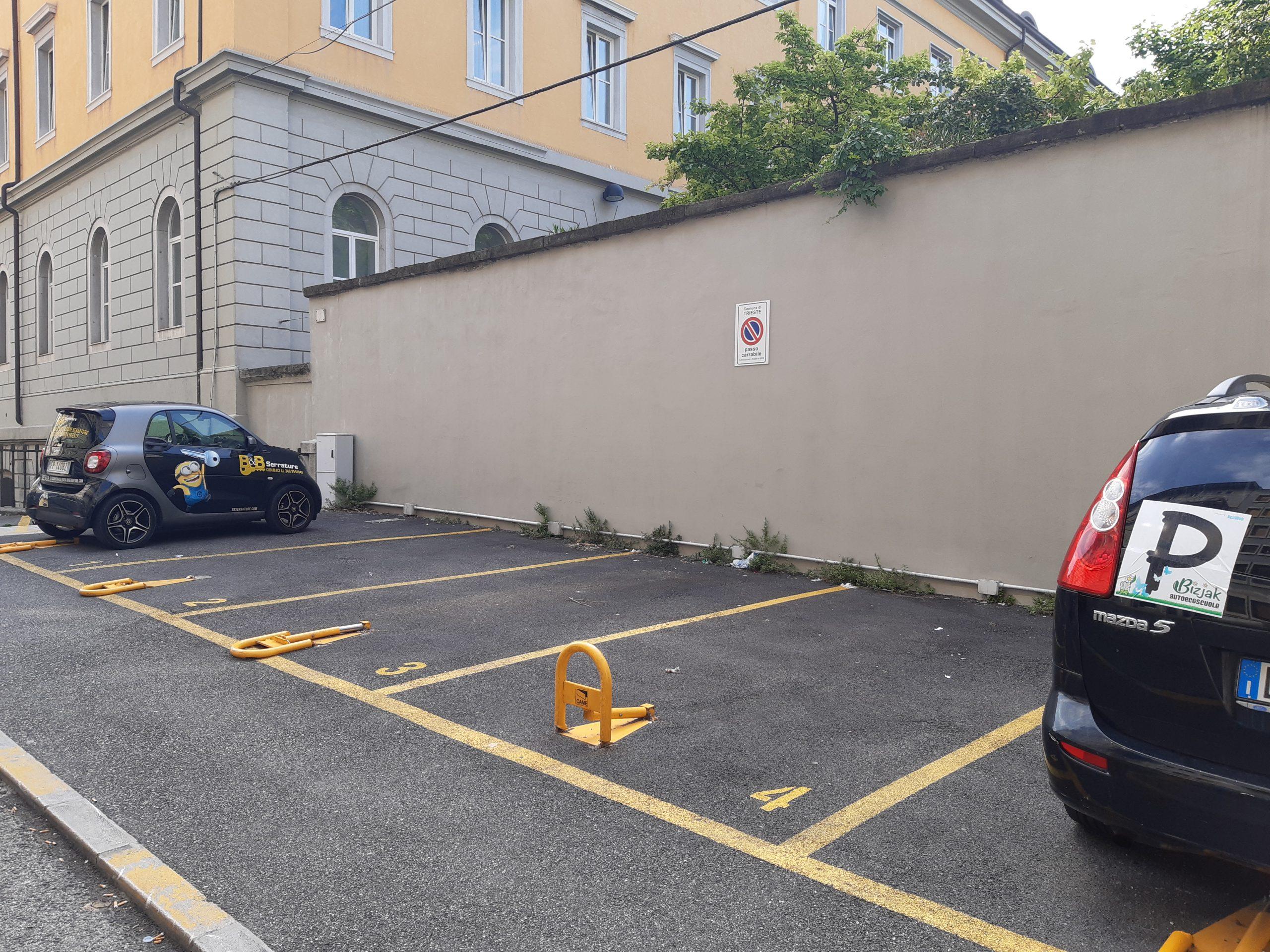 Posto auto – via Pascoli 31